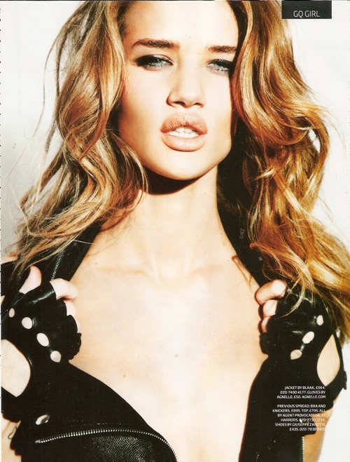 rosie_huntington_whitele_gq_britain_03.jpg