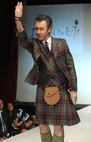 dressed_to_kilt_charity_fashion_show_alan_cumming.jpg