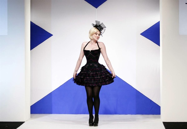 dressed_to_kilt_charity_fashion_show_kellie_pickler_singer.jpg