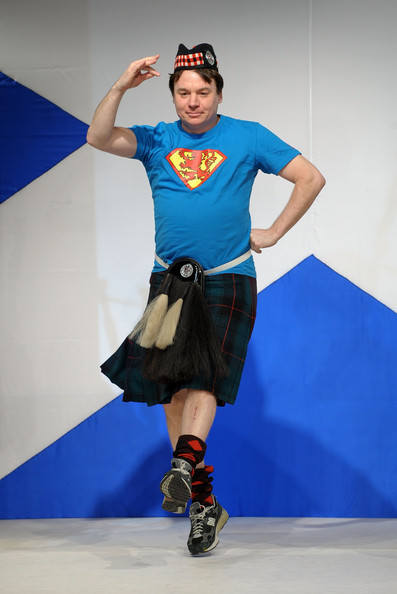 dressed_to_kilt_charity_fashion_show_mike_myers.jpg