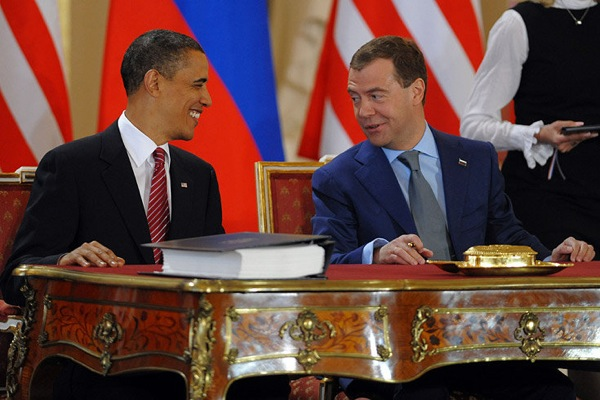 medvedev_obama_treaty03.jpg