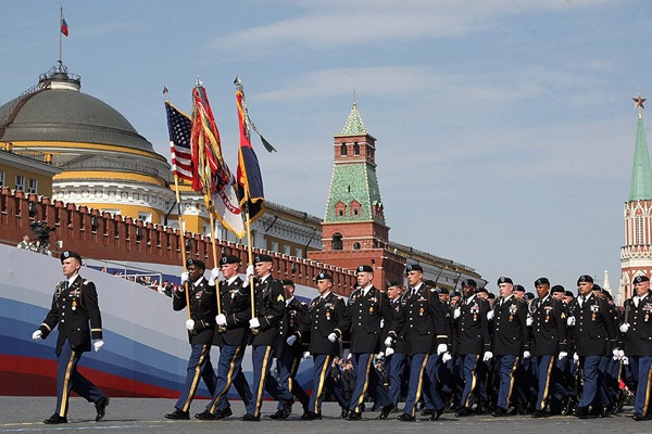 victory_60_parade_moscow10_american.jpg