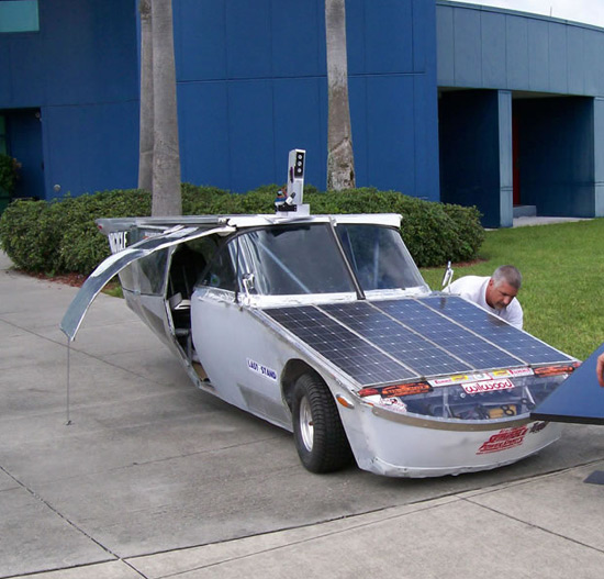 x_prize_the_greenhouse_2000_solar_car.jpg