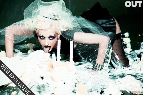 christina_aguilera_out_magazine_june_july_2010_ellenvonunwerth05.jpg