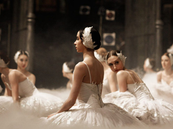 ballerinas-germany_9175_990x742.jpg