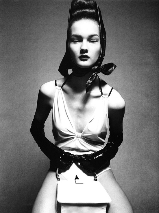 steven_meisel_over_the_glam_vogue_italia09.jpg