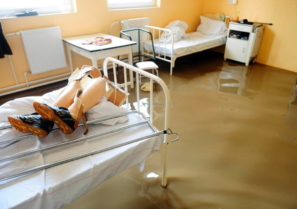 floods_hungary_hospital.jpg
