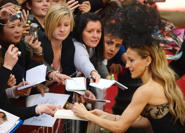 sarah_jessica_parker_sex_and_the_city_london_premiere4.jpg