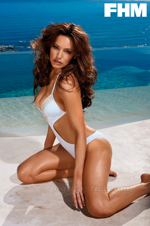 kelly-brook-fhm-bikini-22.jpg