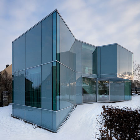 dzn_H-House-in-Maastrich-by-Wiel-Arets-Architects-2.jpg