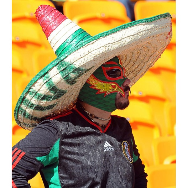world_cup_2010_south_africa_opening_mexican_fans2.jpg