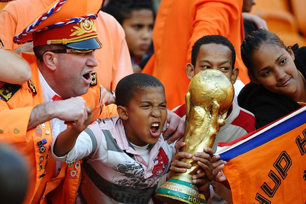 world_cup_2010_fans_holland02.jpg