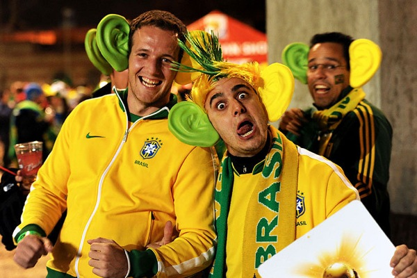 world_cup_2010_brazil_fan3.jpg
