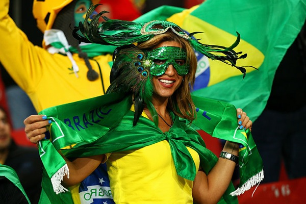 world_cup_2010_brazil_fan5.jpg