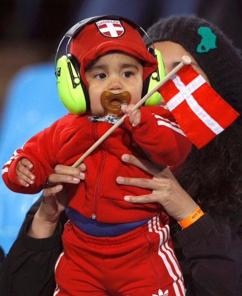 world_cup_2010_denmark_fans2.jpg