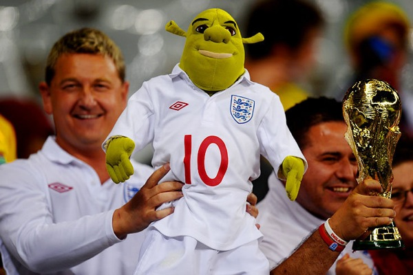 world_cup_2010_england_fans11_shrek.jpg