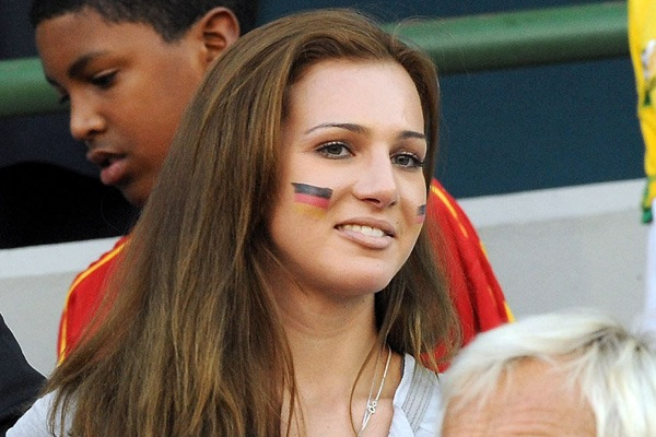 world_cup_2010_germany_fans6_lisa_muller_thomas_muller_wife.jpg