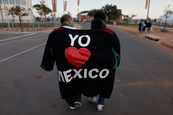 world_cup_2010_mexico_fan4.jpg