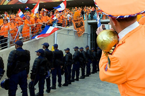 world_cup_2010_netherlands_fans5.jpg