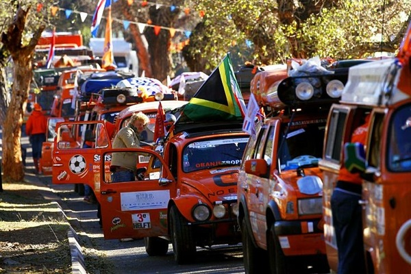 world_cup_2010_netherlands_fans7_travel_to_durban_from_johannesburg.jpg