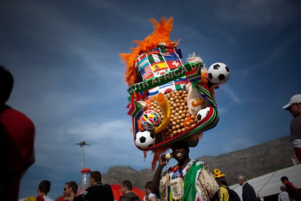 world_cup_2010_south_africa_fan20_the_egg_man_gregory_da_silva.jpg