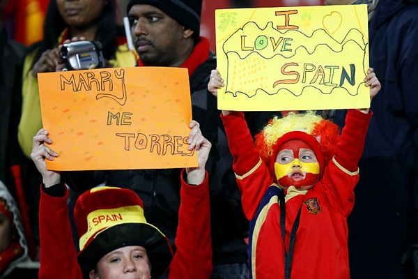 world_cup_2010_spain_fan2.jpg