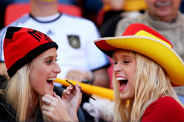 world_cup_2010_spain_fan5.jpg