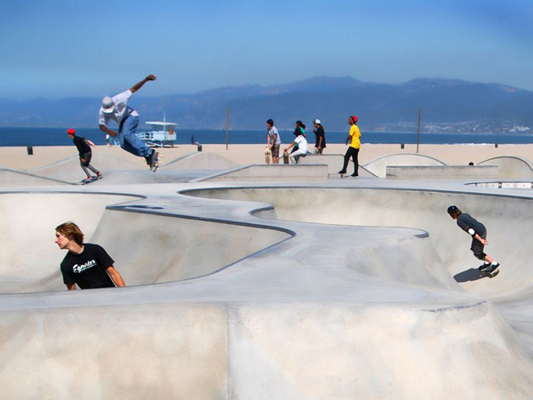 skateboard-park-california_21084_990x742.jpg