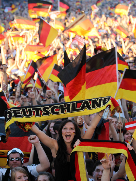 spain_germany_fans00.jpg