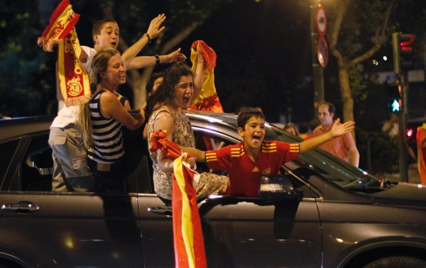 spain_germany_fans07.jpg