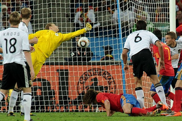 spain_germany_goal_carles_puyol_header2.jpg
