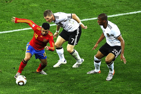 spain_germany_pedro_boateng_schweinsteiger2.jpg