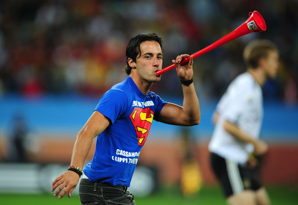 spain_germany_streaker_vuvuzela2.jpg