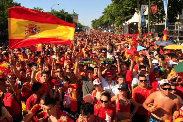 world_cup_2010_final_spain_wins_madrid_celebrates4.jpg