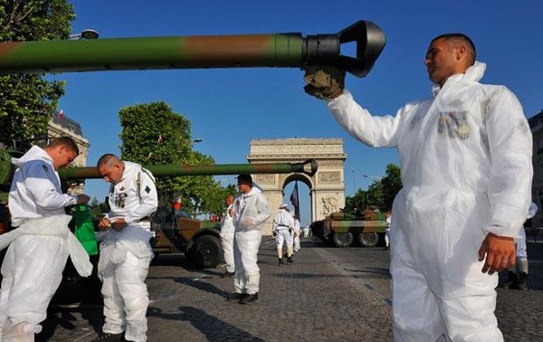 bastille_day_france_parade2.jpg