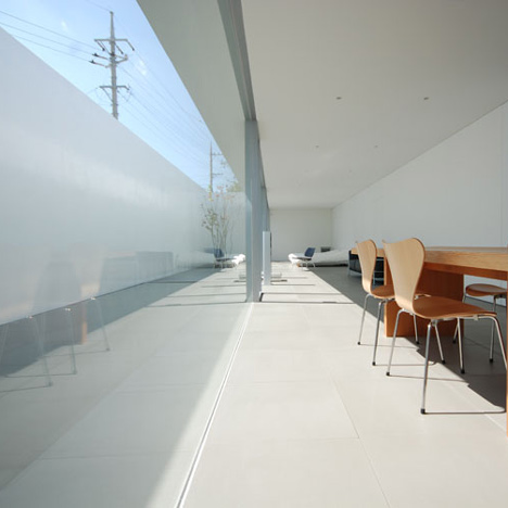 dzn_Minimalist-House-by-Shinichi-Ogawa-Associates-11.jpg