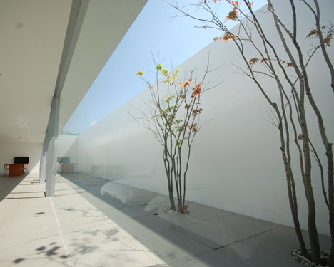 dzn_Minimalist-House-by-Shinichi-Ogawa-Associates-17.jpg