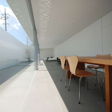 dzn_Minimalist-House-by-Shinichi-Ogawa-Associates-3.jpg