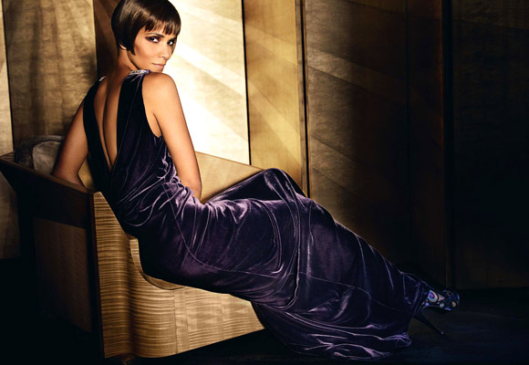 Halle Berry for VOGUE US by Testino 01.jpg