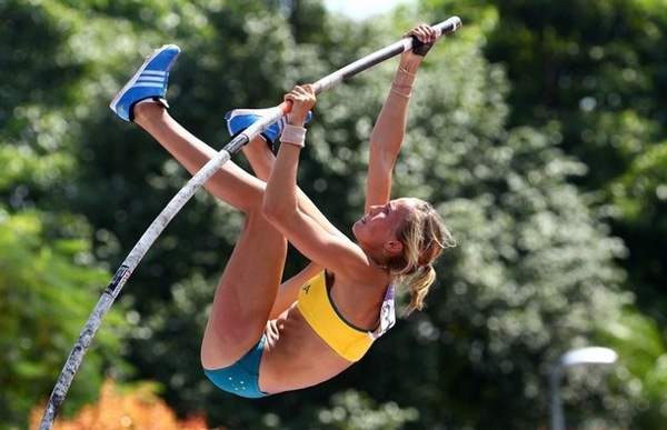 youth_olympic_games_singapore_pole_vault_elizabeth_parnov_australia.jpg