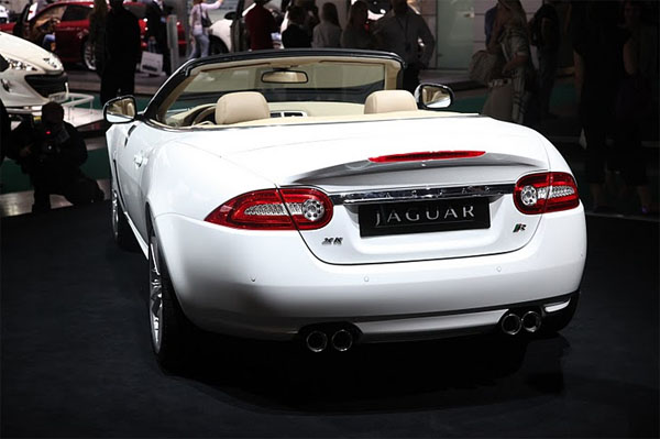 Jaguar XKR 2011MY 2.jpg