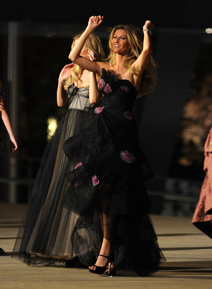 fashion_night_out_gisele_bundchen4.jpg