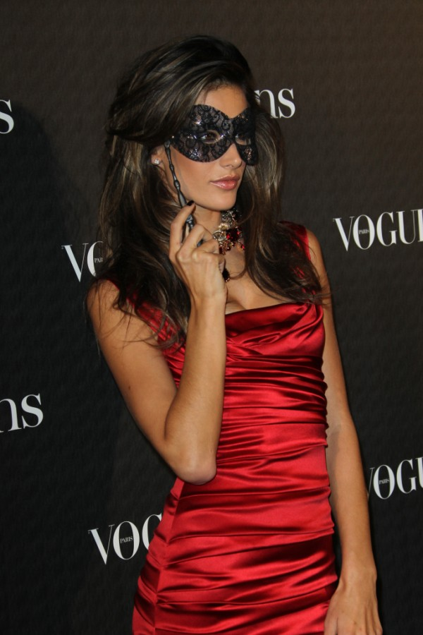 vogue-paris-90th-anniversary-party-8-600x900.jpg