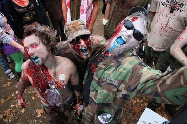 8th_annual_zombie_walk_toronto_canada09.jpg