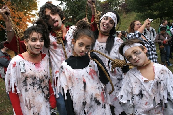 8th_annual_zombie_walk_toronto_canada12.jpg