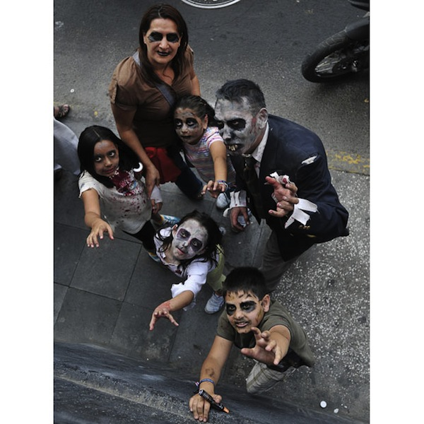 zombie_walk_mexico_city07.jpg