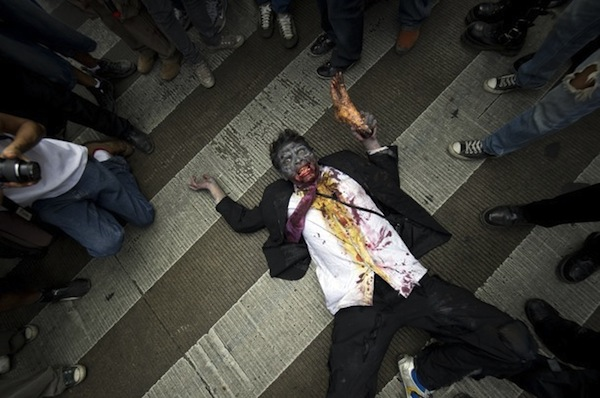 zombie_walk_mexico_city09.jpg