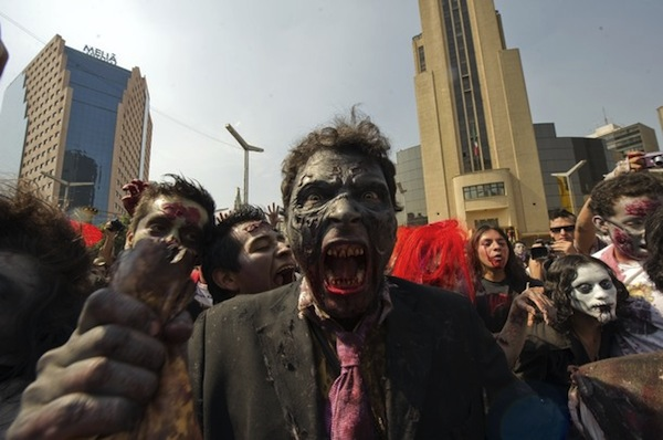 zombie_walk_mexico_city11.jpg