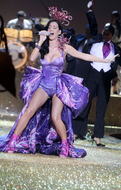 FP_6038986_Perry_Katy_NYC_111010.jpg