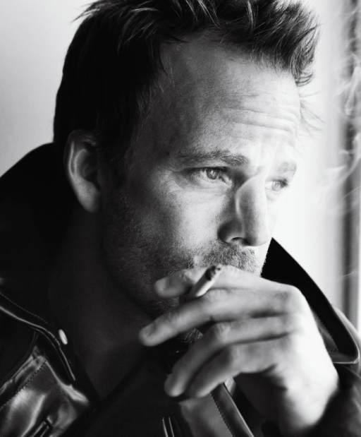 Stephen-Dorff-by-Mario-Testino-for-VMAN-DesignSceneNet-03.jpg